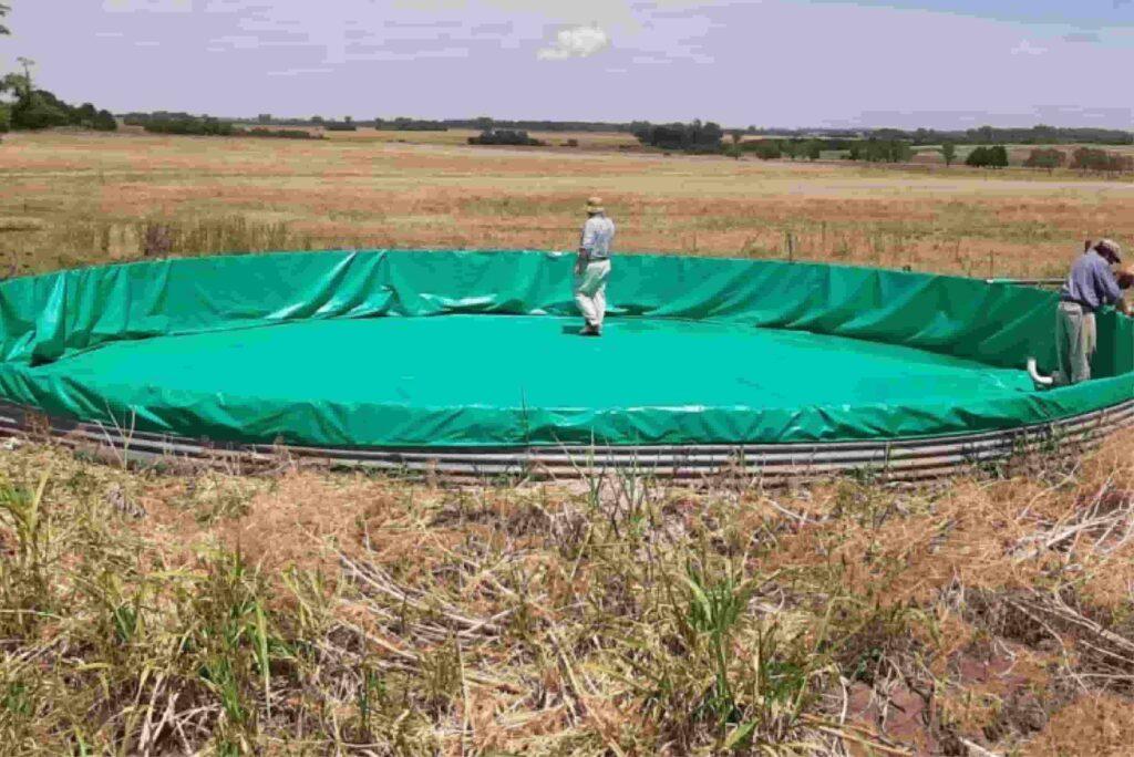 funda para reparar tanque australiano colocada en un tanque de chapa