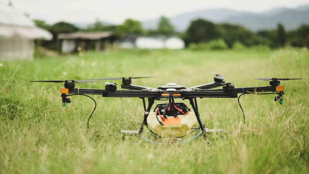 dron agrícola con componentes tecnológicos avanzados