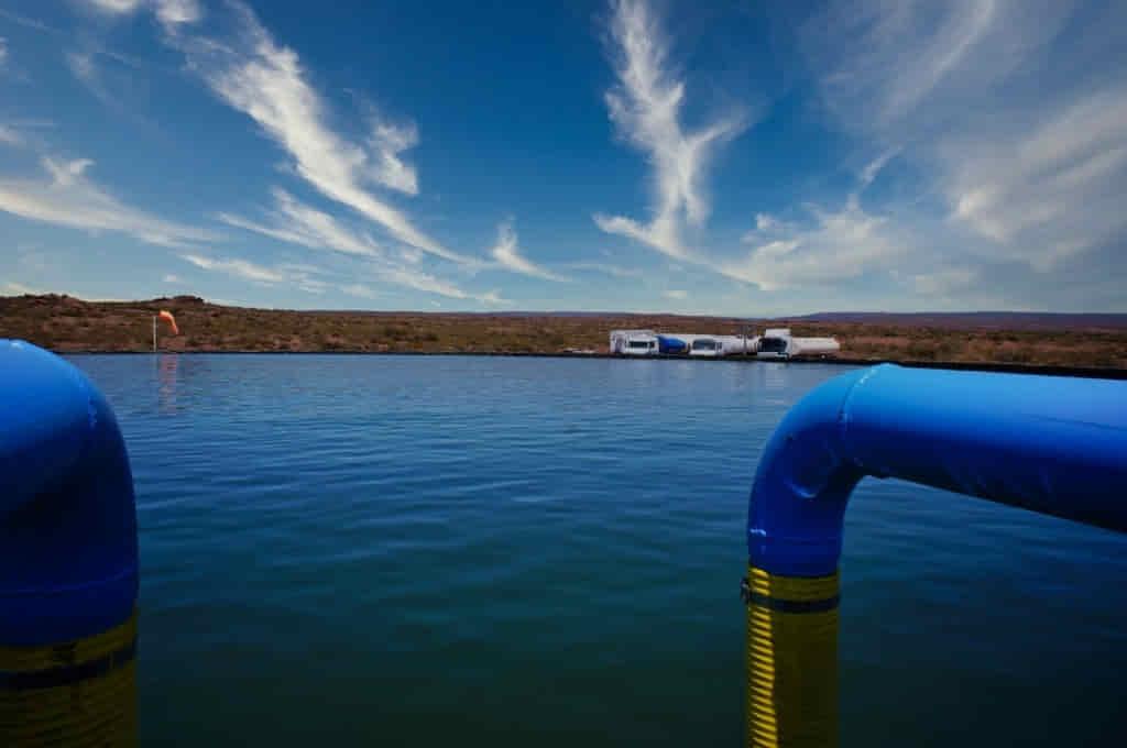 capacidad en litros de tanques australianos para proyectos petroleros